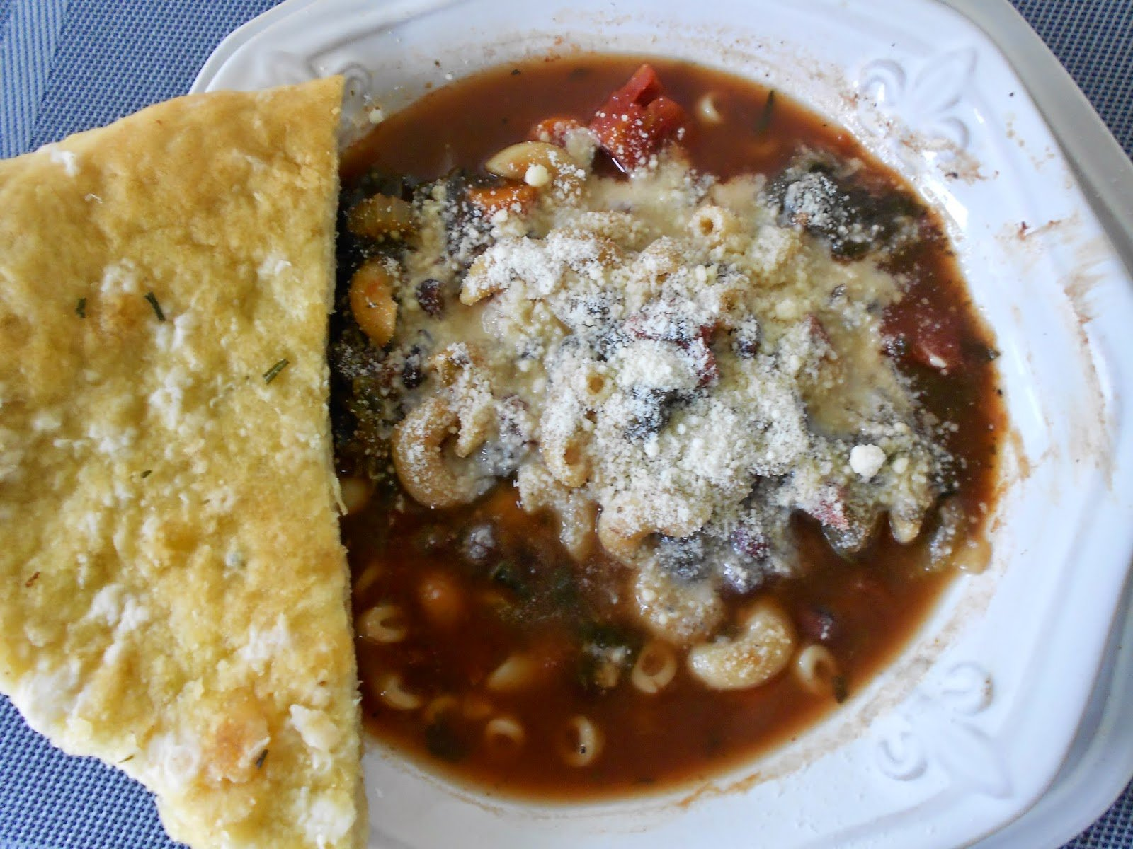 Crock Pot Minestrone Soup – Mid-Week Mixers
