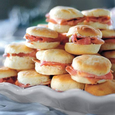 Ham Biscuits with Mustard Butter – #southerncomfort