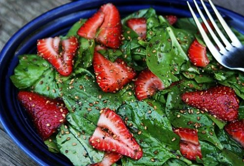 spinach-strawberry-salad